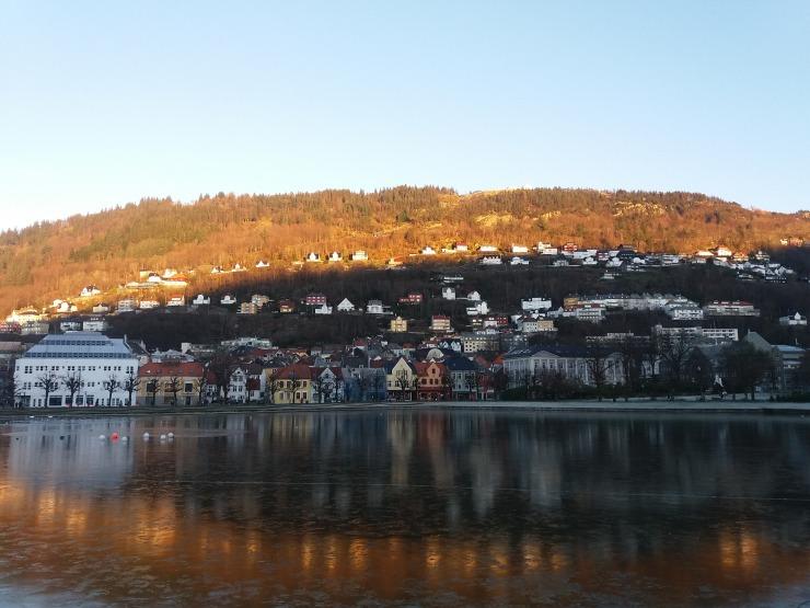 Bergen - vue de ville - lac